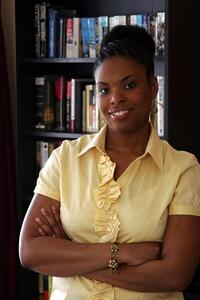 author-headshot-Shelly Ellis